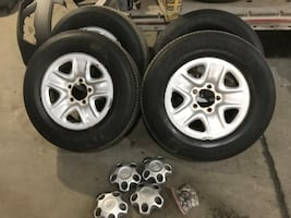 Toyota Tundra wheels and tires 18'