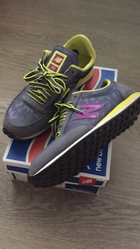 Excellent condition New balance sneakers unisex  New Westminster, V3M