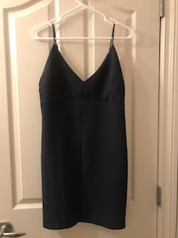 Wilfred size 8 dress! Worn 1 time paid 160$ for it! Need gone ASAP. In perfect condition Calgary, T3H 5A7