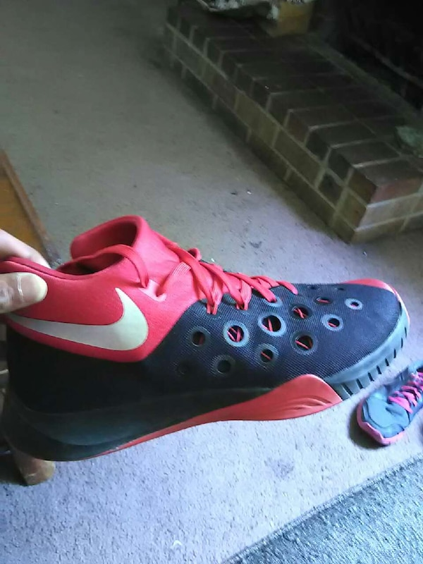 9e06b1299909 Used hyper quickness 3 Nike s size 11 for sale in Tennessee - letgo