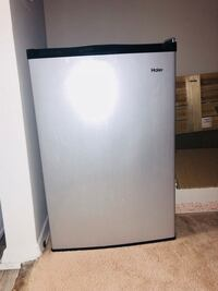 Haier mini fridge 4.5 cu feet  Norfolk, 23504