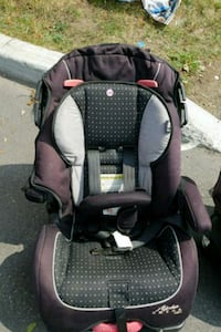 baby's black and gray car seat carrier Laval