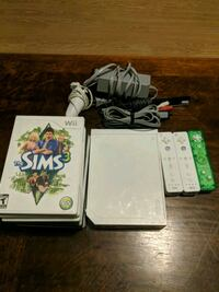 Wii Console, 3 controllers and 8 games