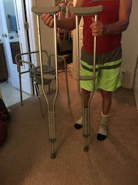 New adult adjustable crutches  Jacksonville, 28546