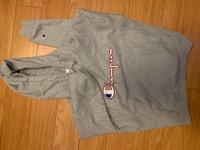 Champion womens hoodie size medium fits smaller