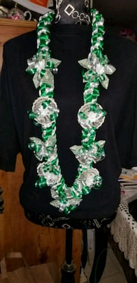 green and white beaded necklace Greenfield, 93927