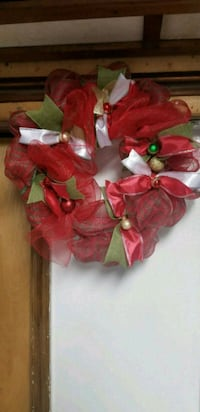18 inch Red holiday wreath Maryland, 20746