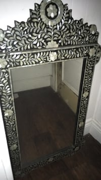 rectangular mirror with black and gray frames Long Beach, 90802