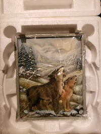 4 wolf plaques new. Fairfax, 22033