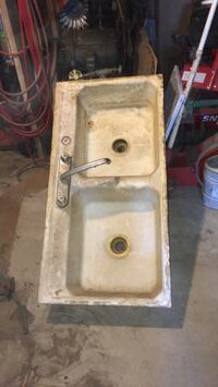 white ceramic sink with faucet Maryville, 37801