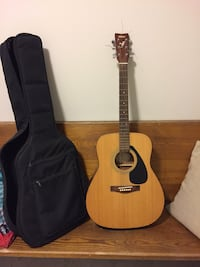 Yamaha F-310 guitar and carrying case Innisfil, L0L 1C0