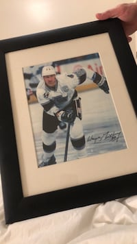 Wayne Gretzky signed picture Toronto, M5A 4J4