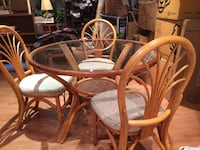 Rattan table with three chairs Markham, L3R 6M6