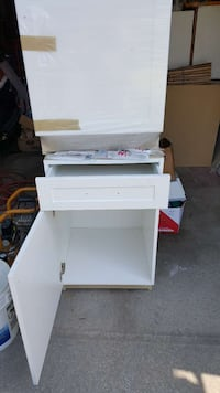 2 white wooden drawer cabinets with handles  Mississauga, L4W 3N6