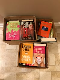 Lot of 45 Danielle Steel hardback books Inwood, 25428