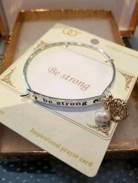 Be strong bangle with pearl Toronto, M5M 1T2
