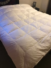 Queen size feather duvet Calgary, T2K