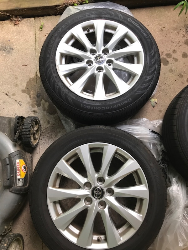 Tires and Wheels - 2018 Toyota cb148444-9d62-4ea3-953e-0079905b9de9