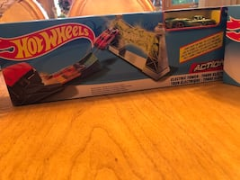 Hot Wheels Electric Tower Toy Playset with Car Great Christmas Gift