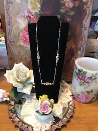 Pretty! Gold Chain Beaded Necklace