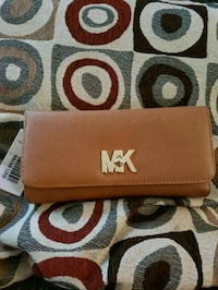 brown leather Michael Kors wristlet Centreville, 20120