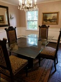 Antique dining table McLean, 22102