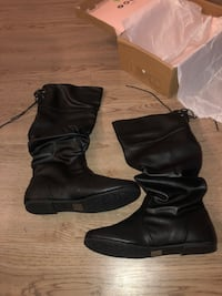 Women's high black boots size 9 Mississauga, L5B 1P2