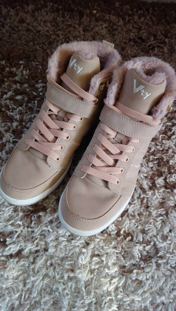 beige-rosa High-Top-Sneakers
