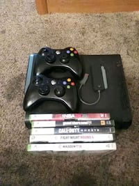 Xbox 360, 2 Controllers, Network Adapter & 5 games 226 km