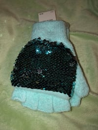 Teal fingerless gloves  Centreville, 20121