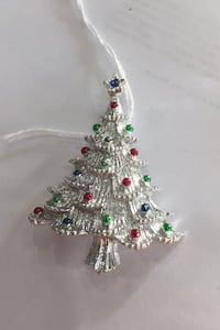 Gerry's signed Christmas tree brooch! Funkstown, 21740
