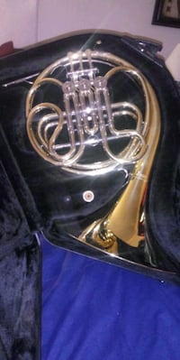 used french horn for sale in columbus letgo. Black Bedroom Furniture Sets. Home Design Ideas