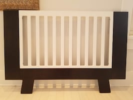 Dutailier Pomelo Crib with Naturpedic Mattress