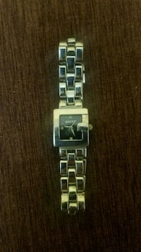 Womens G-frame gucci watch