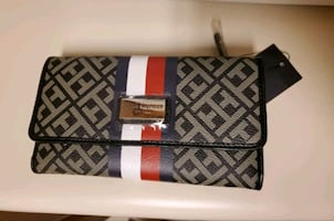 Authentic Tommy Hilfiger Clutch/Wallet