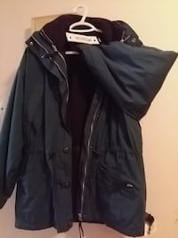 Brooks  winter jacket man sm  Calgary, T2E 5B9