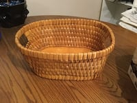 oval brown wicker basket Edmonton, T5C 0Z6