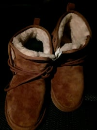 pair of brown suede boots Charlotte, 28217