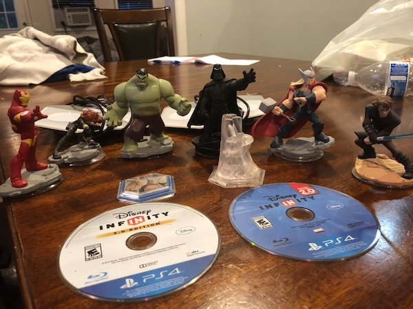 Ps4 infinity games and figures lot 1