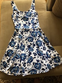 white and blue floral sleeveless dress Montréal, H3S 1M9