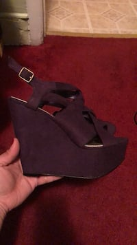 Wedge sandals color purple Jersey City, 07305