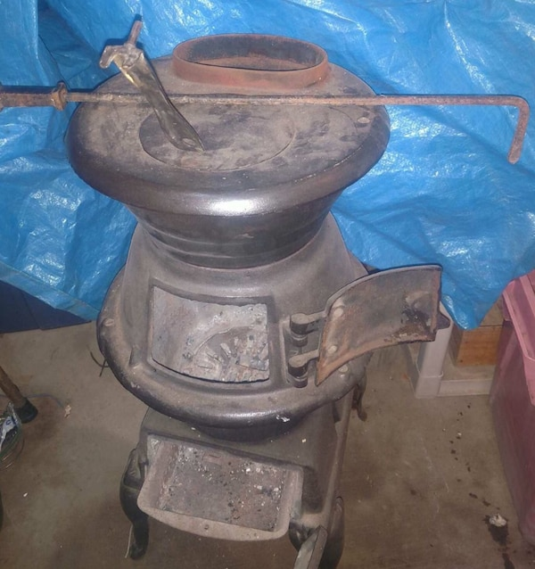 Vintage Cast Iron Wood Coal Pot Belly Parlor Stove West Germany