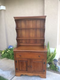Selling a vintage wooden hutch  Corona, 92882