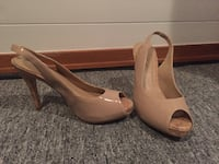 Women's nude sling back heels - size 6 Winnipeg