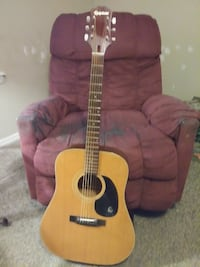 Classic Epiphone Guitar Middle Island, 11953