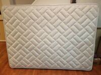 Queen Mattress - like new - $100 firm  Falls Church, 22041