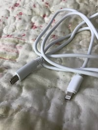 white lightning to USB cable Mississauga, L5N 7G1