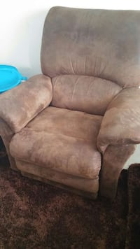 Brown soft reclining leather chair Vancouver, V5N 2C1