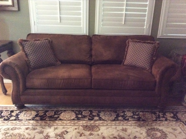 Used Brown Micro Suede Sofa Form Breuners Like New For In Pleasant Hill Letgo