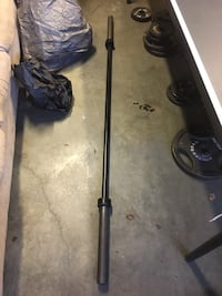 Weight bench and barbell Cary, 27513